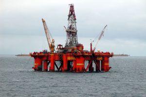 Så lenge oljen varer, kan vi kunne fortsette å prise oss selv ut av internasjonale markeder
